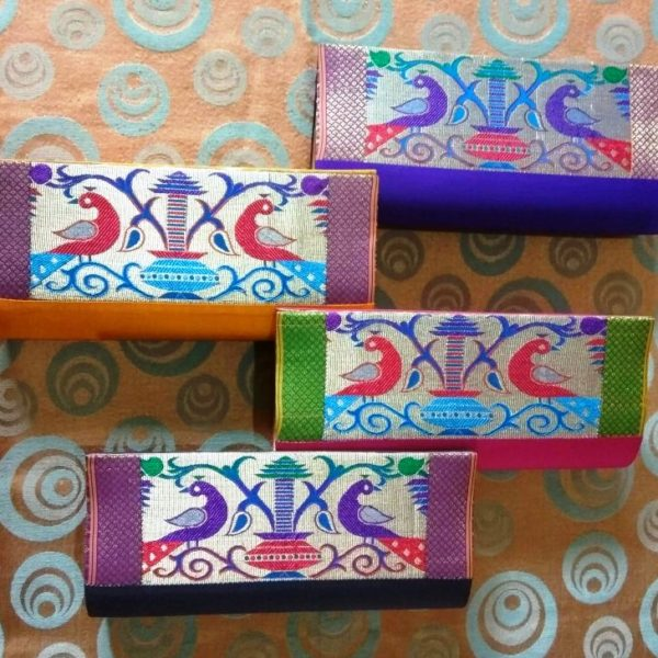 Semi paithani medium clutch